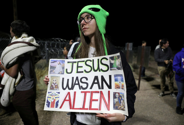 Thousands of Alien Hunters to Storm Area-51 Tonight in Nevada to Find US Government's Secret.