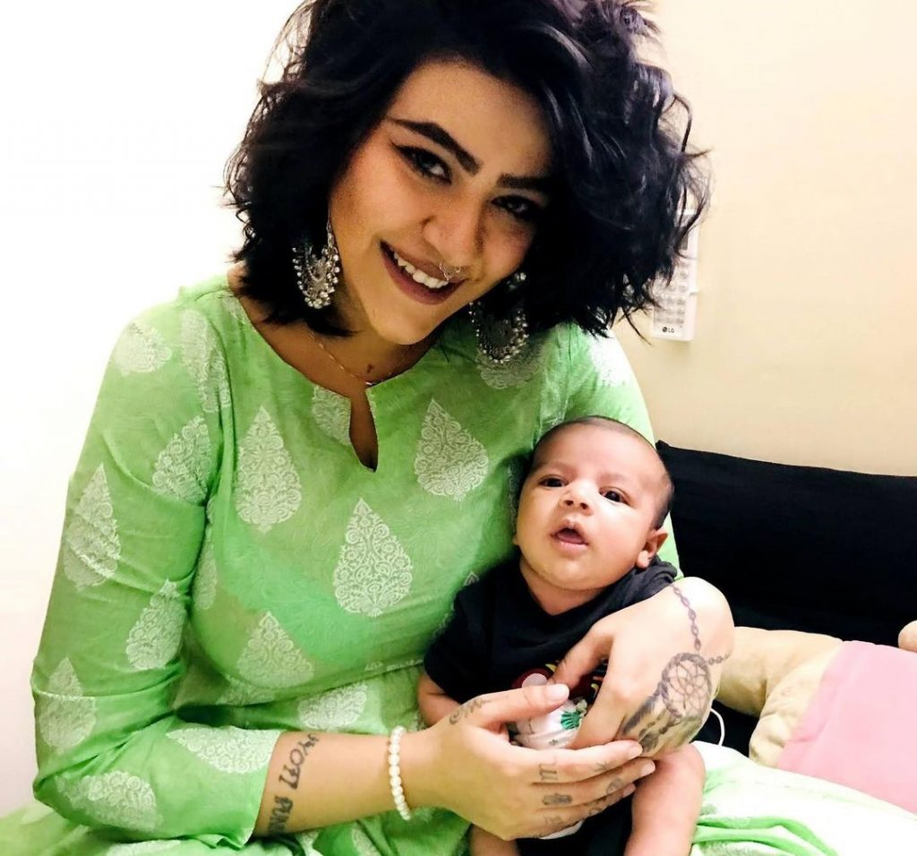 Anmol-Chaudhary-with-her-Son