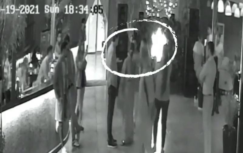 Saree Controversy: Woman Denies Slapping Delhi Restaurant Staff, NCW Seeks Probe into Matter