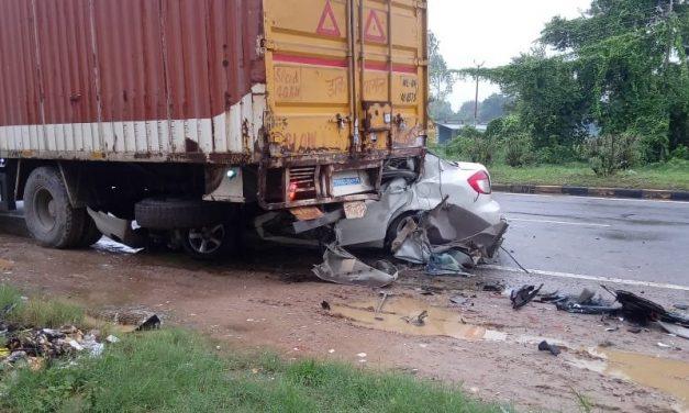 Basti Accident: Car Rams into Truck, Family of 5 Killed on Spot, CM Adityanath Condoles Death