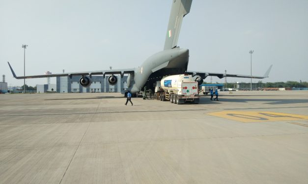 IAF airlifts Cryogenic Oxygen tanks from Singapore, safely arrives in India