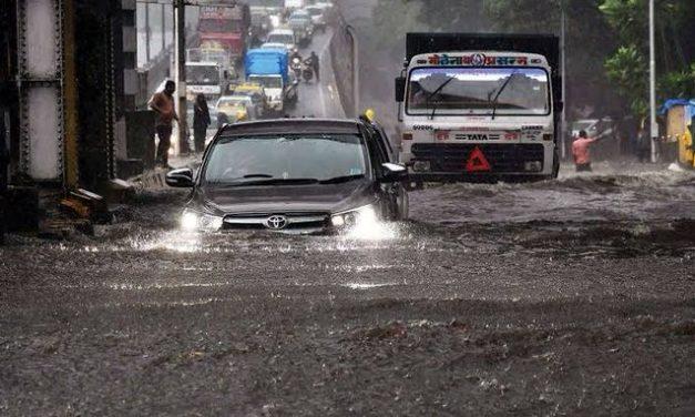 Cyclone Tauktae to Hit Gujarat: PM Modi Calls Gujarat, Goa and Maharashtra CM to take stock of preparations