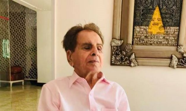 Dilip Kumar admitted to Hinduja Hospital, Sharad Pawar visits the actor
