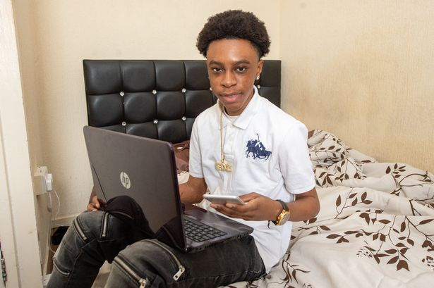 See how this 16 YO boy earned 422 times profit from his pocket money savings?