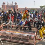 Farmer's Protest: Tractor Parade Triggers Chaos at Red Fort on 72nd Republic Day