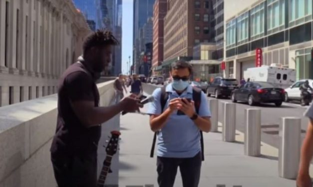 An American YouTuber and an Indian Man Singing Hindi Bollywood Songs on the Streets of New York
