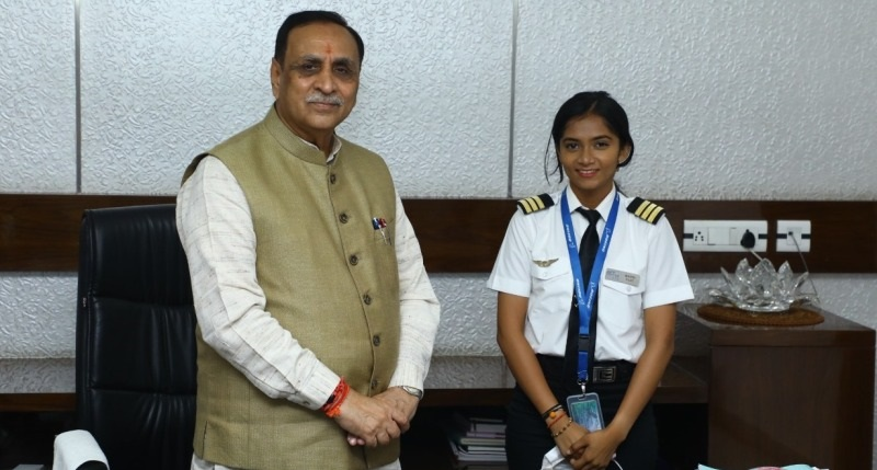 Meet 19-yo-Maitri Patel who Became India's Youngest Commercial Pilot
