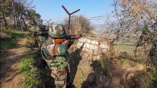 Pakistan Violates Ceasefire Deal, Opens Fire Along Samba in Jammu and Kashmir
