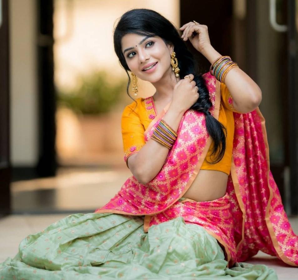 Pavithra-Lakshmi