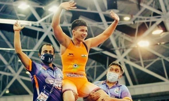 Milind Soman, Ishant Sharma Trolled for Lauding CWC Gold Winner Priya Malik as Olympics Gold Winner