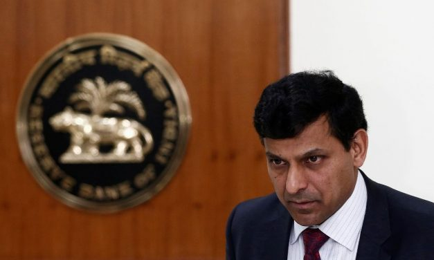 "Ex RBI Governor and Expert Economist Raghuram Rajan Labels Bitcoin As ""Classic Bubble"""