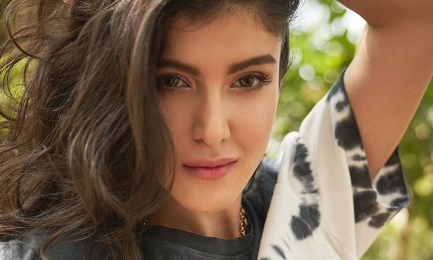 Shanaya Kapoor to debut in Bollywood with Karan Johar's Dharma Productions