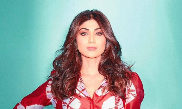 Shilpa Shetty turns 46, Husband Raj Kundra and other Bollywood celebs showers her with wishes