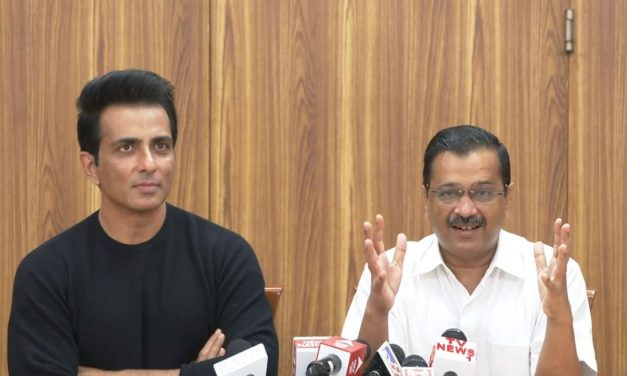"""Sonu Sood Joins Forces with Arvind Kejriwal – Becomes """"Desh Ke Mentor"""" Brand Ambassador"""
