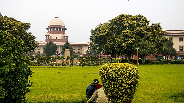 "Supreme Court asks Centre for ""national plan"" on oxygen supply, essential medicines and vaccination"