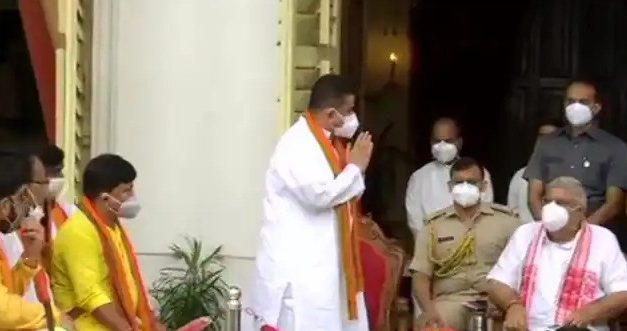 """Teach his father first"": TMC Leader Kunal Ghosh Attacks BJP's Suvendu Adhikari on Anti-Defection Law"