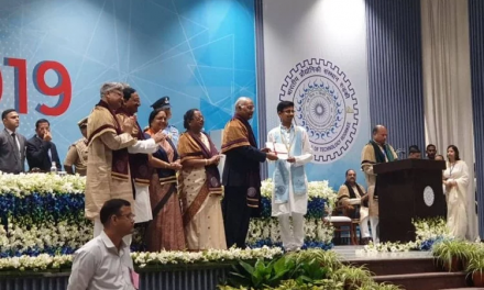 IIT Students Gets Gold Medal From President For Teaching Poor Students for Free.