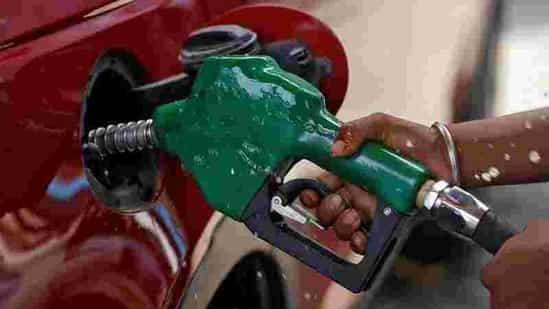Election Effect: West Bengal government reduces tax on fuel by ₹1 per litre