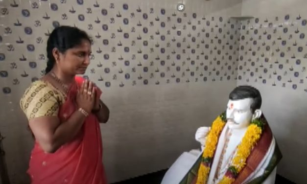 """Andhra Woman Builds Temple for Dead Husband, Gives """"Pati Parmeshwar"""" a New Meaning"""