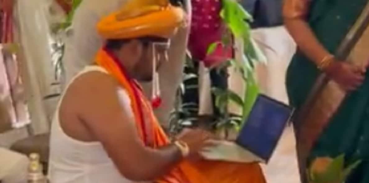 Work from Mandap: Desi Groom Brings Laptop to Own Wedding, Bride Has Priceless Reaction