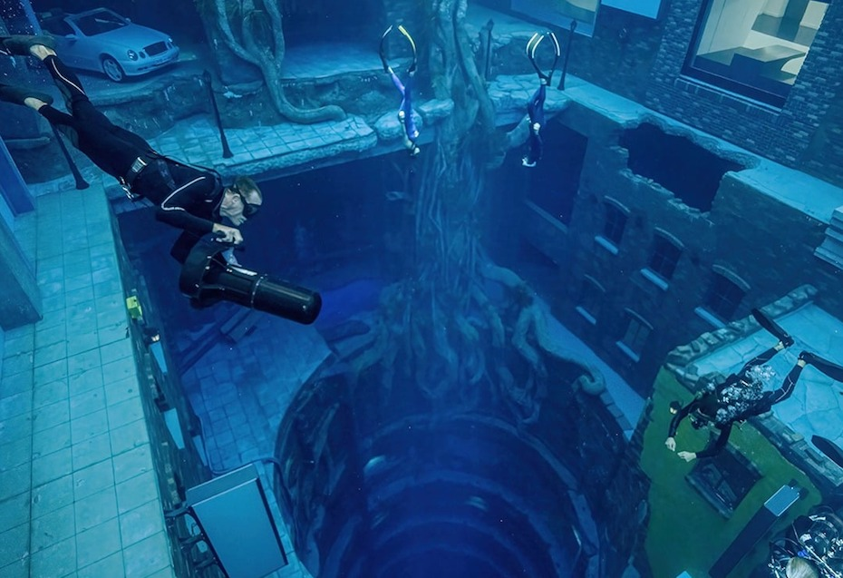 World's-Deepest-Swimming-Pool