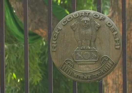 Oxygen supply case: Delhi HC Issues Show-Cause Notice to Centre, asks why it shouldn't initiate contempt proceedings