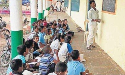 Peon Teaches Mathematics To 10th Class Students While Headmaster Busy With Phone in Karnataka Government School