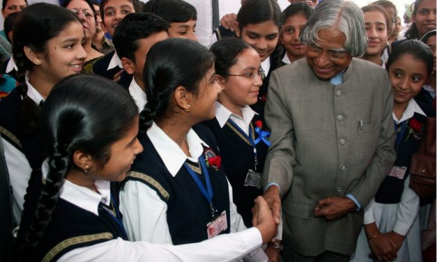 """Indore: Free JEE/NEET Coaching to Poor Students under """"Project 100 Kalam""""."""