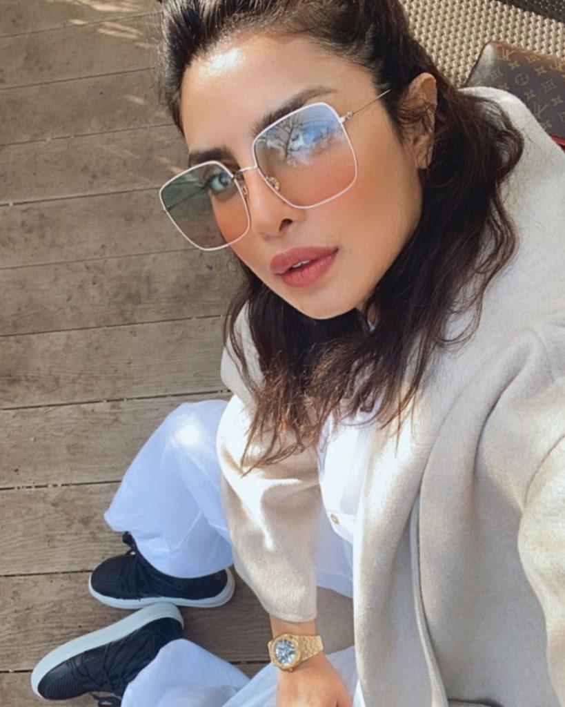 priyanka-chopra-with-sunglasses